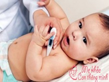 Những điều mẹ nên biết về nhiệt độ cơ thể của trẻ sơ sinh