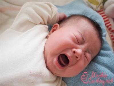 Top 5 cách đốt vía cho trẻ sơ sinh khiến trẻ hết khóc bất thường