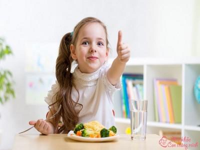 5 món ăn ngon cho bé 2 tuổi giúp bé ăn nhanh vèo vèo
