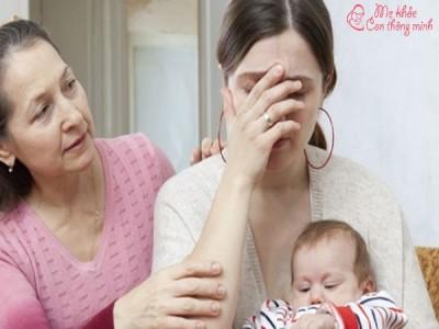 Hé lộ nguyên nhân và cách điều trị mắt bị mờ sau khi sinh
