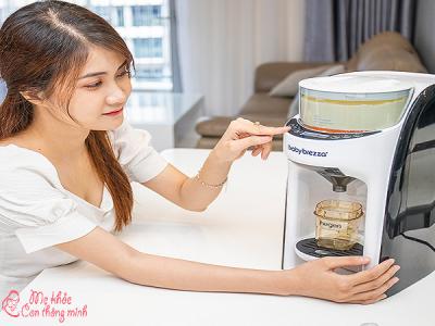 Máy pha sữa là gì? Có nên mua máy pha sữa cho bé không?