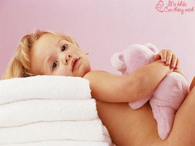 Nguyên nhân khiến trẻ em bị ngứa vùng kín vào ban đêm