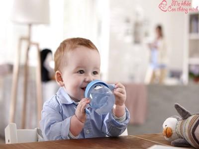 Review top 5 bình uống nước cho bé tốt nhất 2021