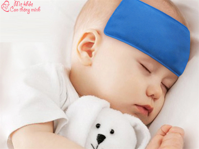 Miếng dán hạ sốt cho trẻ sơ sinh có tốt như lời quảng cáo không?