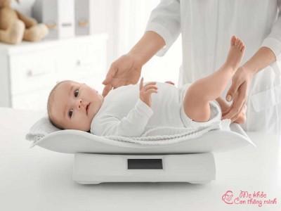 Bật mí trẻ sơ sinh tăng cân như thế nào là chuẩn khoa học