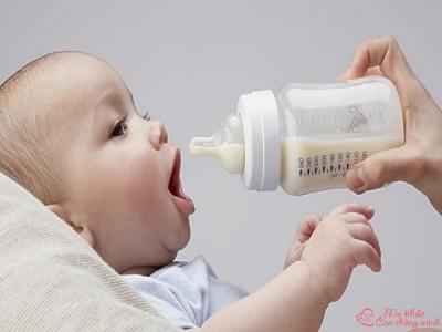 Lộ diện 3 bình sữa cho bé không chịu bú bình tốt nhất 2021