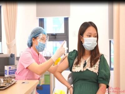 Những vấn đề quan trọng khi tiêm vacxin covid-19 cho bà bầu