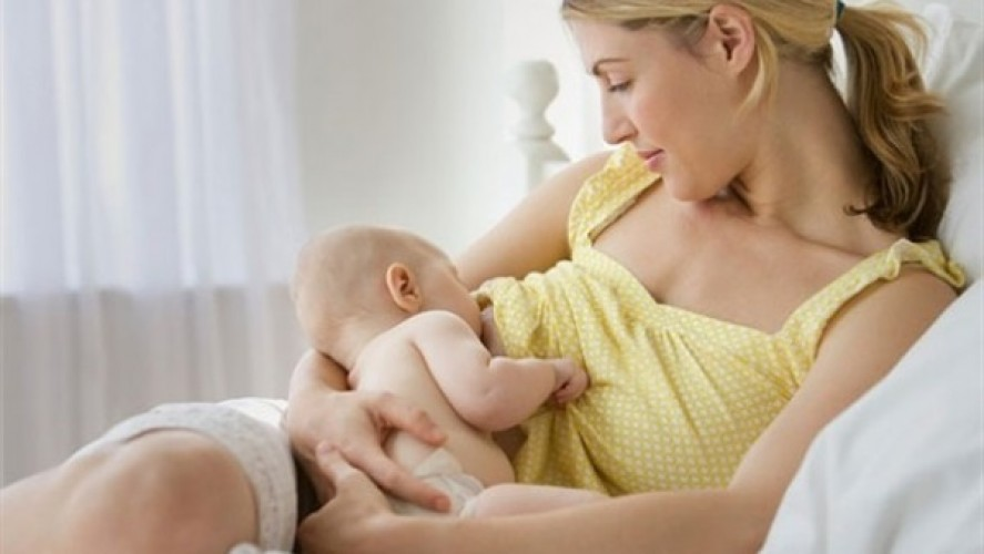 Mẹ bị cảm có nên cho con bú sữa mẹ không?