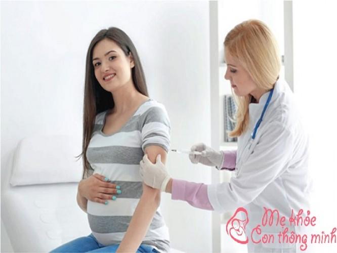 Chích ngừa uốn ván cho bà bầu có tác dụng gi?
