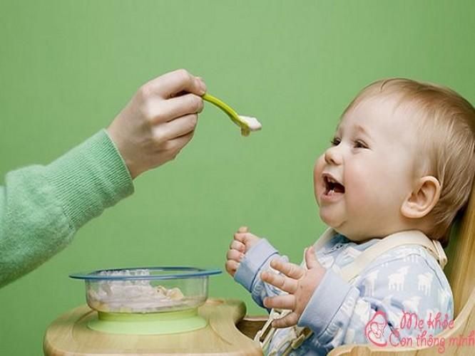 Bật mí 5 món cháo dinh dưỡng cho bé giúp bé lên cân vù vù