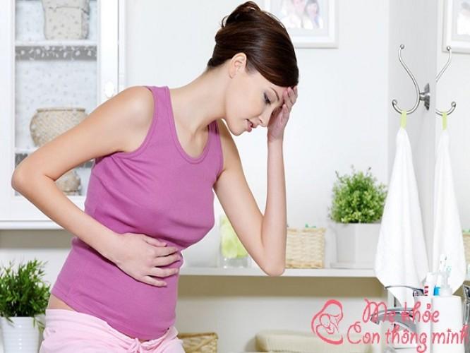 """Mẹo """"đánh bật"""" chứng đầu bụng khó tiêu cho bà bầu"""