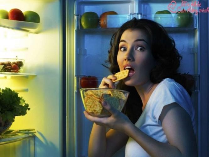 Bà bầu ăn đêm có tốt không? Bà bầu nên ăn gì khi đói đêm?