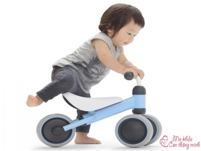 Top 6 loại xe phù hợp cho bé 1 tuổi, ba mẹ nên tham khảo