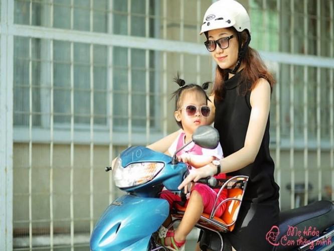 Review 5 ghế ngồi xe máy cho bé 1 tuổi tốt nhất hiện nay