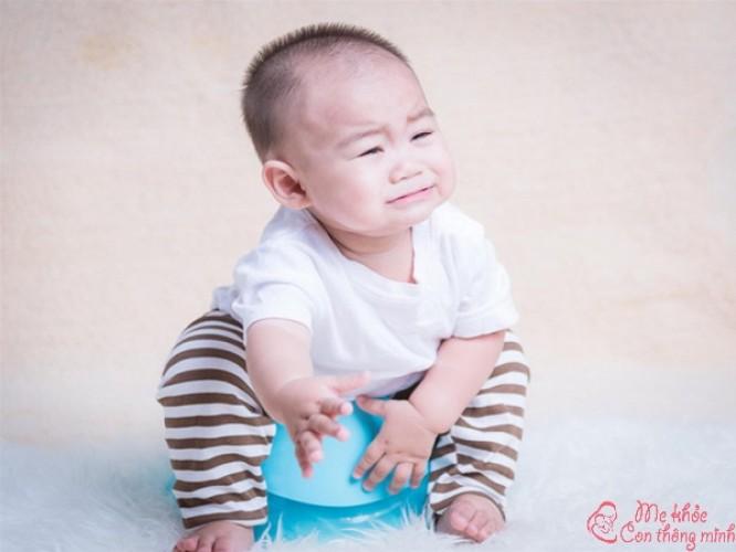 Trẻ 6 tháng đi ngoài nhiều lần trong ngày, ba mẹ chớ chủ quan
