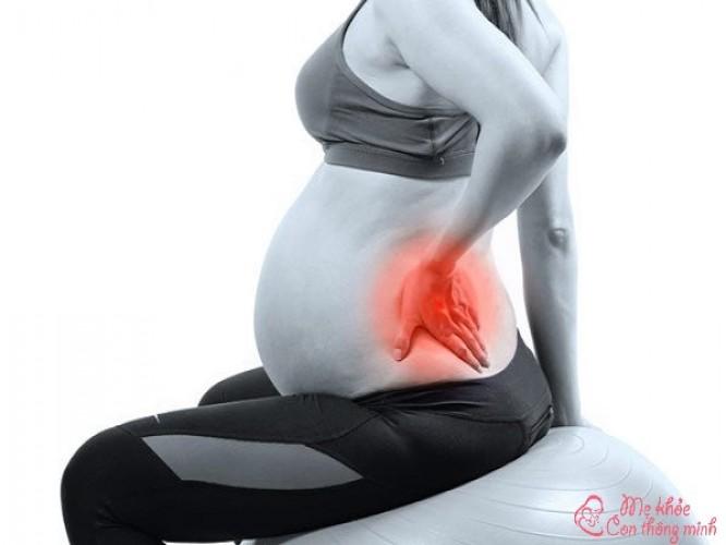 Bí kíp chặn đứng cơn đau lưng khi mang thai
