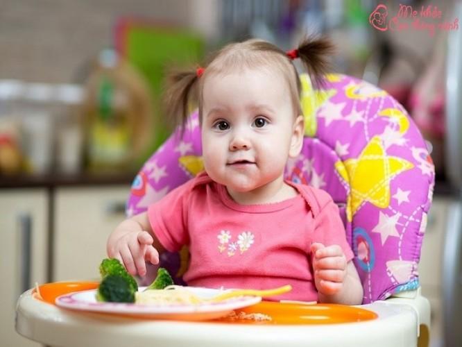 Ghế ăn dặm cho bé loại nào tốt? Top 5 sản phẩm HOT nhất 2021