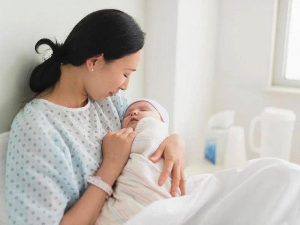 Kinh nghiệm chăm sóc mẹ và bé sau sinh đúng cách