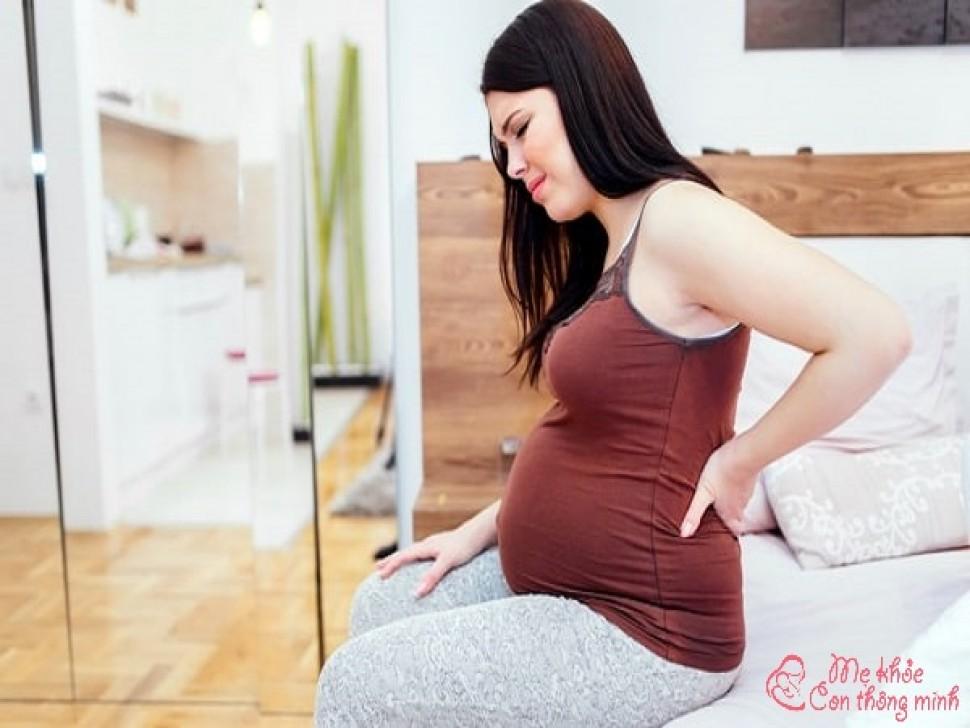 Tuyệt chiêu giúp mẹ bầu xóa tan cơn đau hông trái khi mang thai