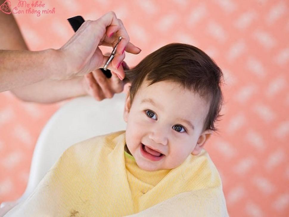 Cắt tóc ngày nào tốt cho bé? List những ngày cắt tóc đẹp cho bé
