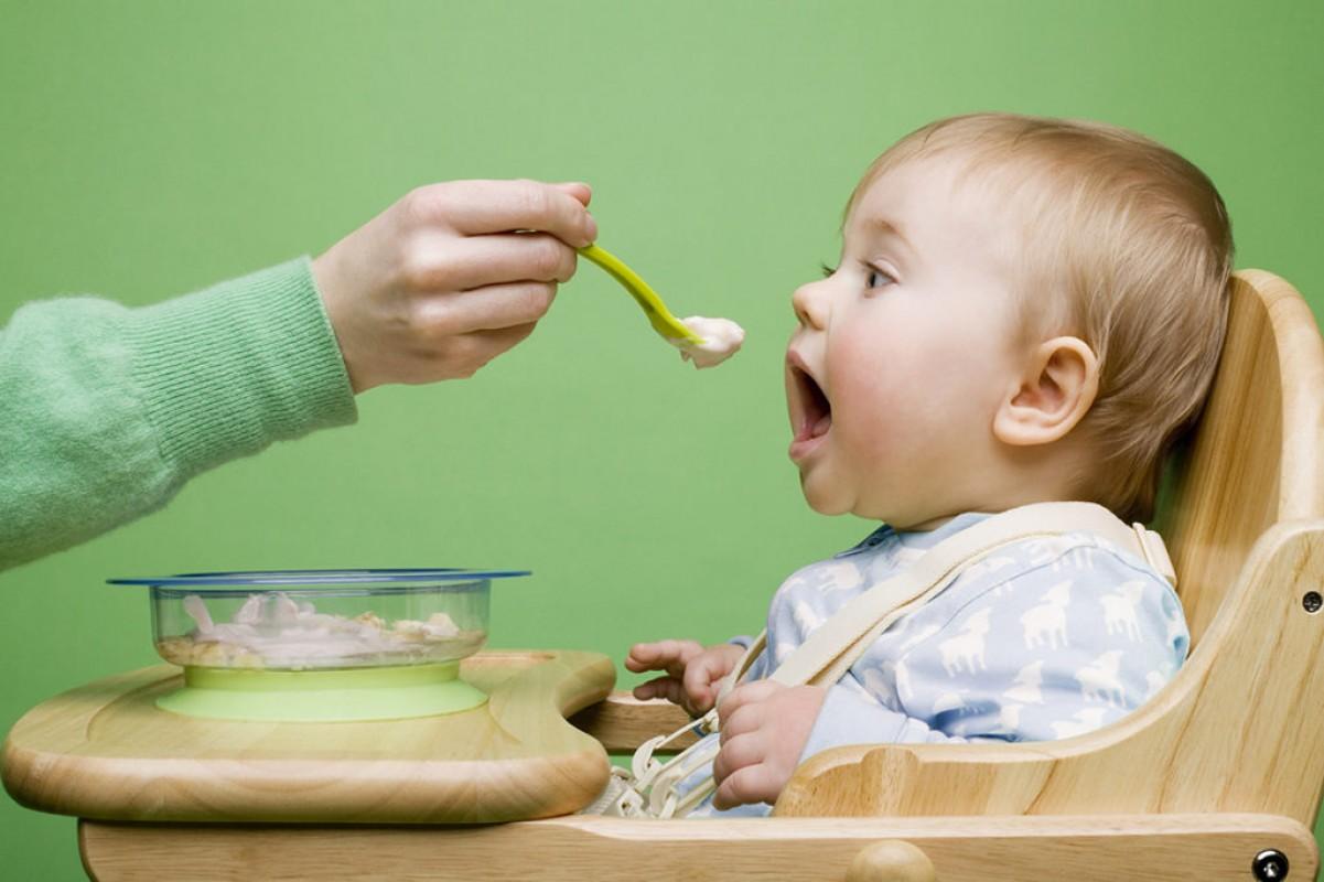 Bé 6 Tháng Tuổi Ăn Dặm Mấy Bữa 1 Ngày? Đáp Án Từ Chuyên Gia Dinh Dưỡng