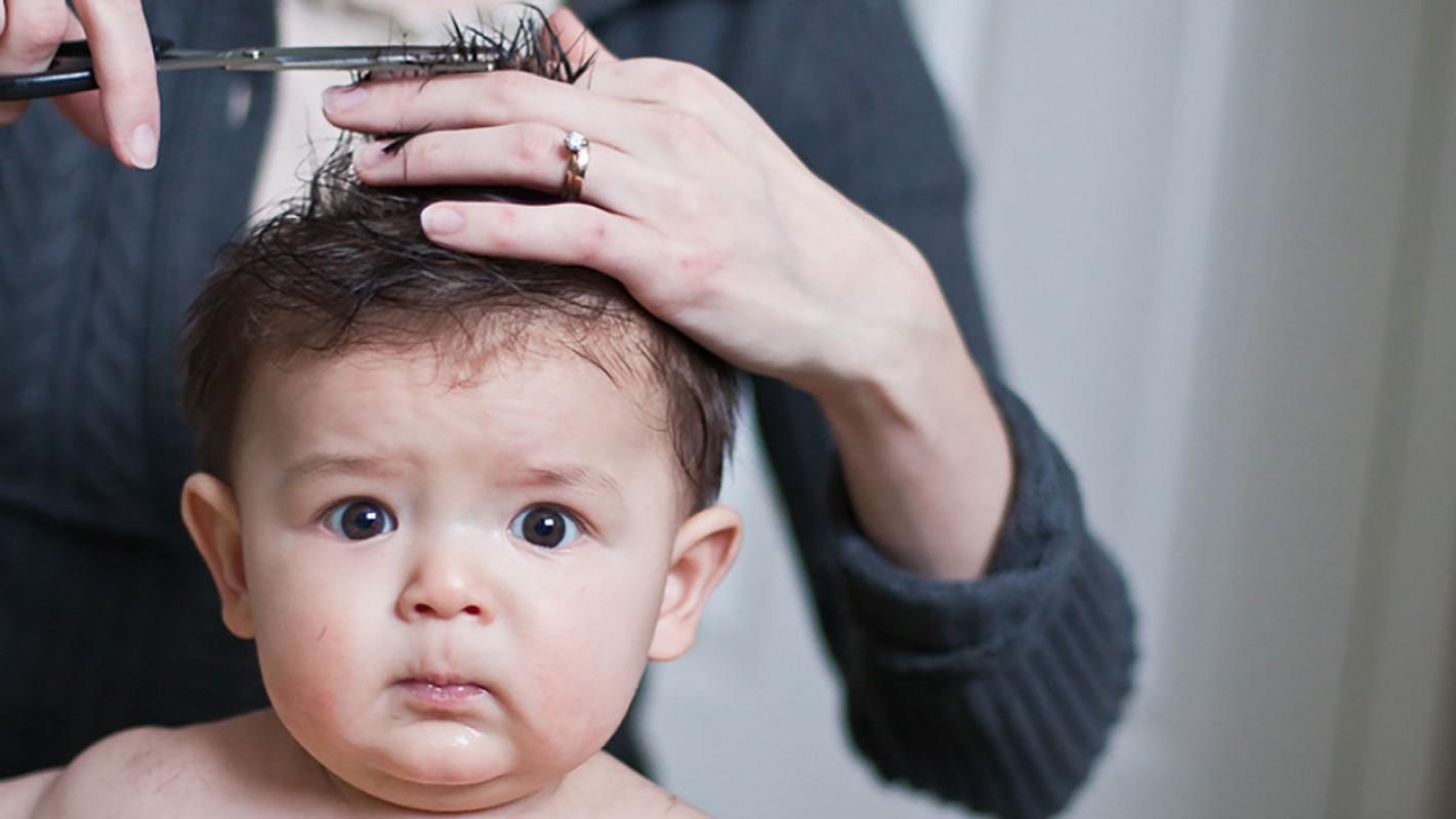 Có Nên Cắt Tóc Máu Cho Trẻ Sơ Sinh? Những Điều Cần Lưu Ý