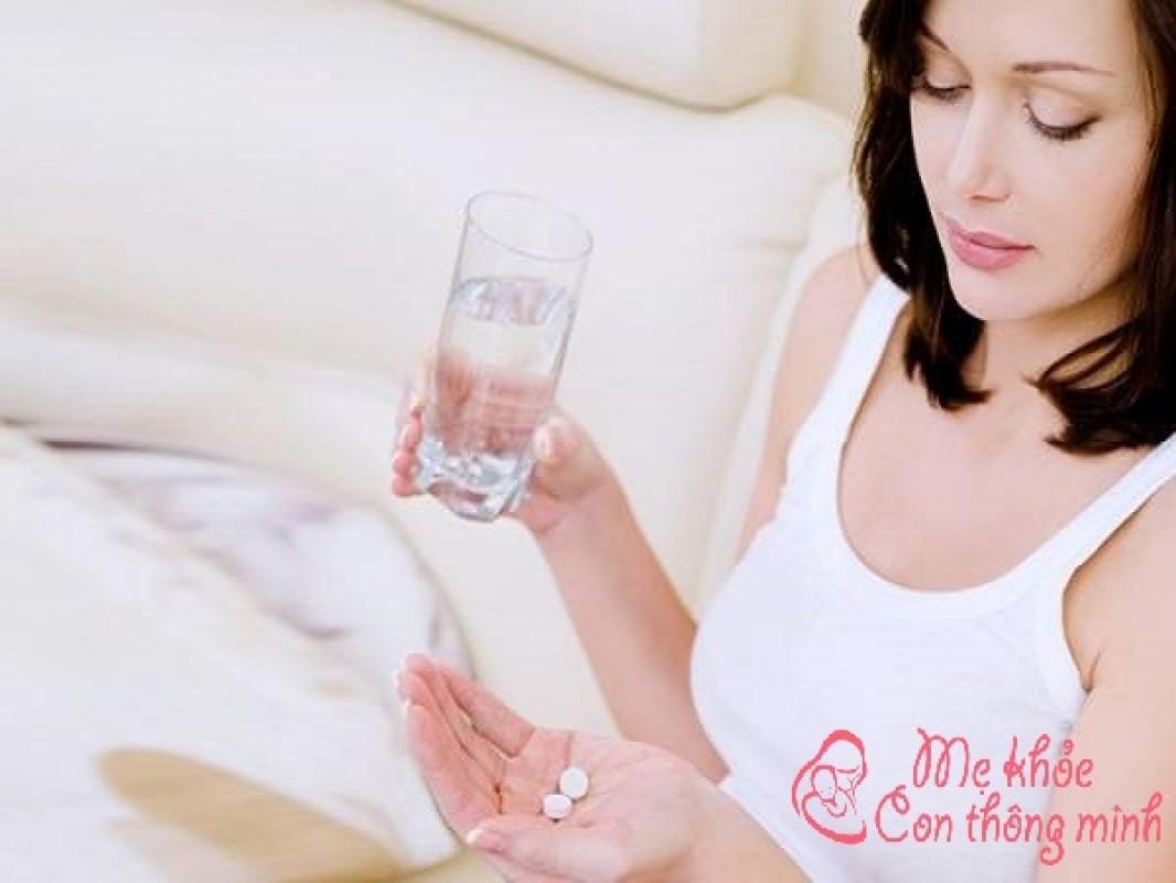 Lời Giải Đáp Của Chuyên Gia: Cho Con Bú Uống Panadol Được Không?