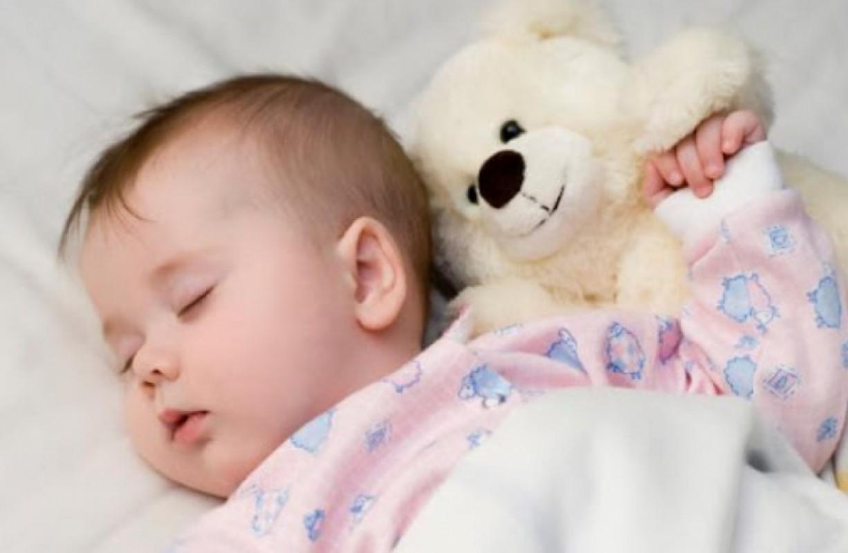 Bé Ngủ Hay Lắc Đầu Có Sao Không? Nguyên Nhân Và Những Điều Mẹ Cần Lưu Ý