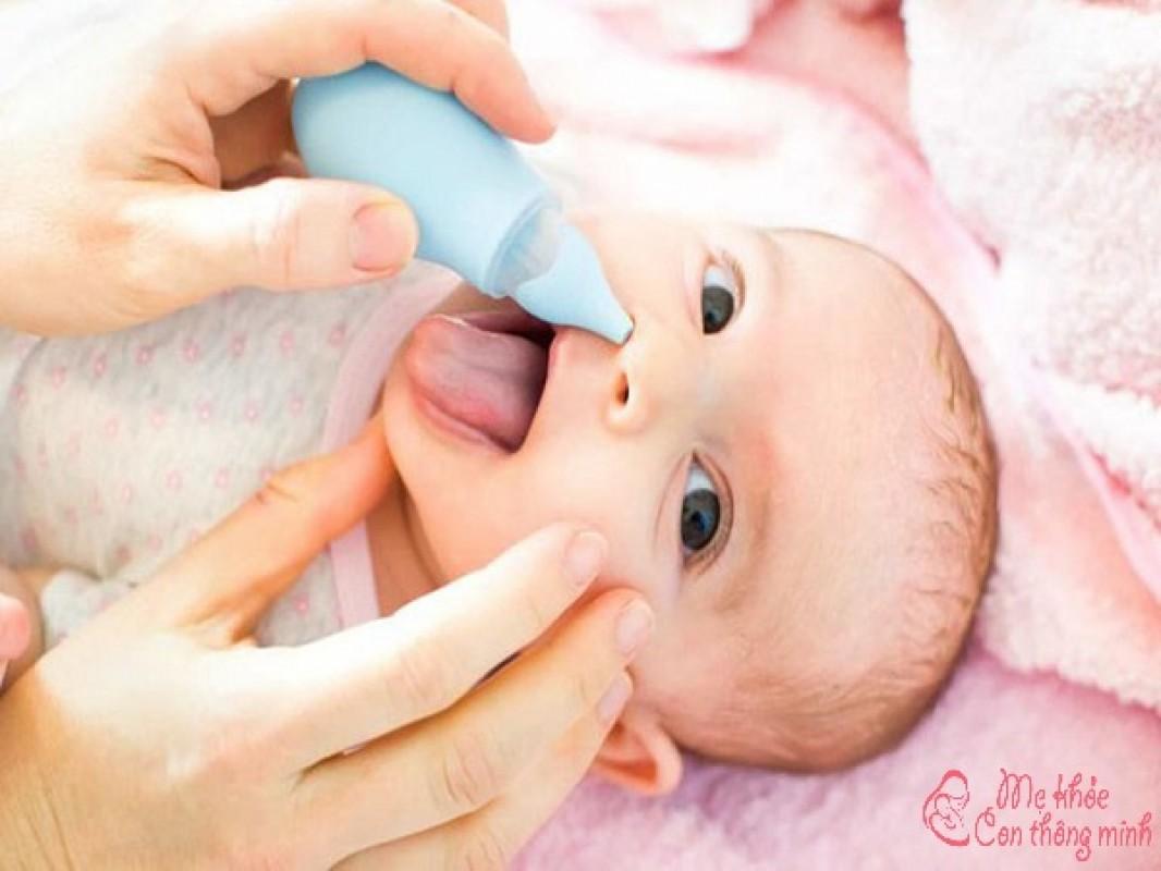 Cách Dùng Nước Muối Sinh Lý An Toàn Và Hiệu Quả Nhất Cho Trẻ Sơ Sinh