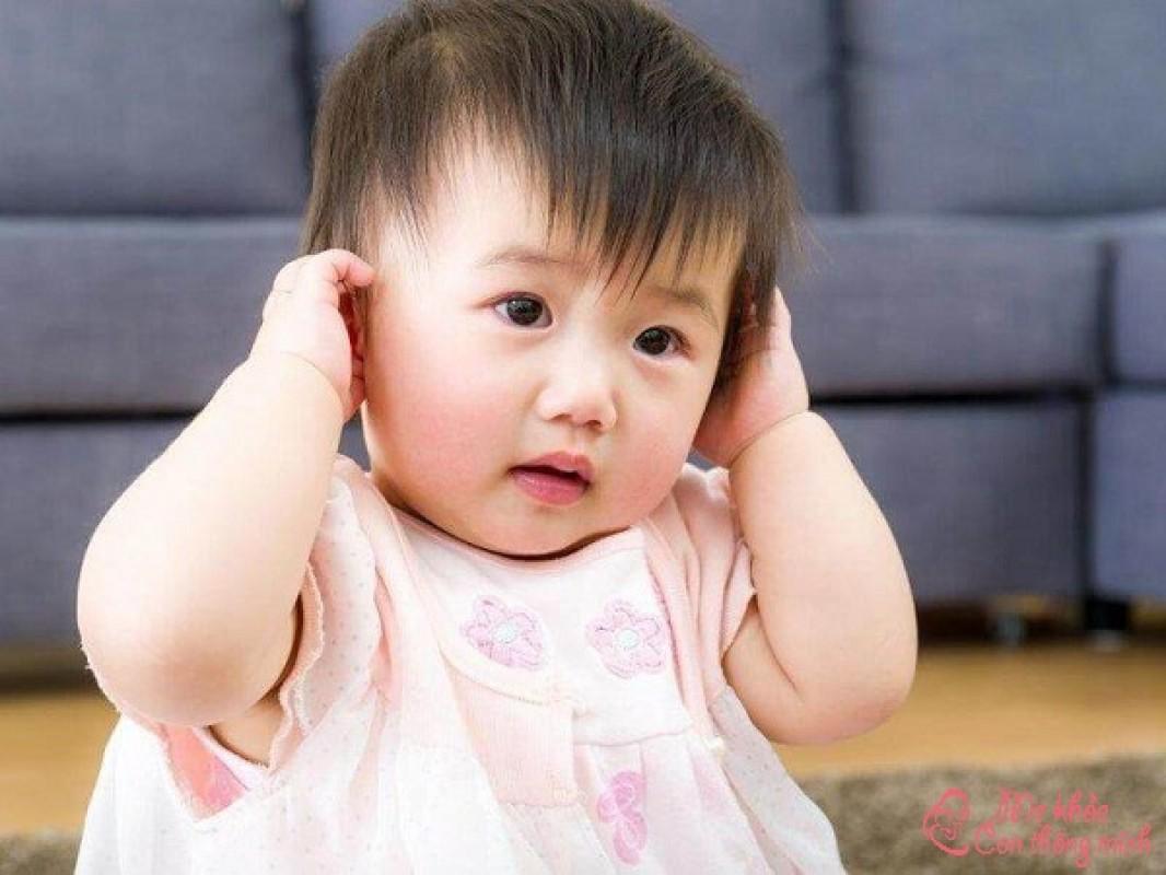 Nguyên Nhân Và Cách Phòng Ngừa Tai Trẻ Sơ Sinh Có Mùi Hôi
